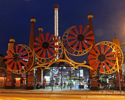 Astrotower Luna Park Gate