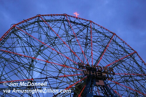 Wonder Wheel Xmas Cross