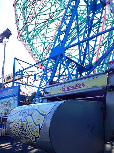 Deno's Wonder Wheel Park Scrambler