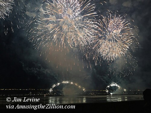 Grucci Fireworks Spectacular on Hudson River for Chinese New Year 2015